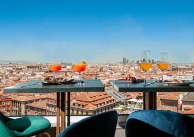 Ella Sky Bar Madrid - Food & Drinks